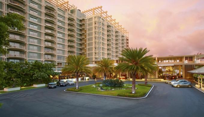 ザ カハラ ホテル & リゾート中庭