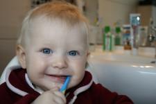 「歯きちんと磨いてないからでしょっ」と叱る前に、子供の虫歯は親の責任!