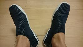 【失敗から学ぶ】浜辺用マリンシューズをレビュー!足首フィットで靴内がべたつかない
