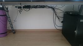 デスク回りの配線ケーブルをスッキリさせた!ケーブルオーガナイザーは正直微妙