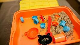 室内用お砂場遊びセットを購入したぞ!これで台風の日も川が氾濫しても砂遊びができる^^